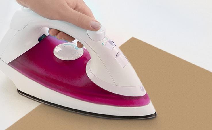 Schritt 4: Nehmen Sie etwas Backpapier oder einen dünnen Stoff zum Schutz.